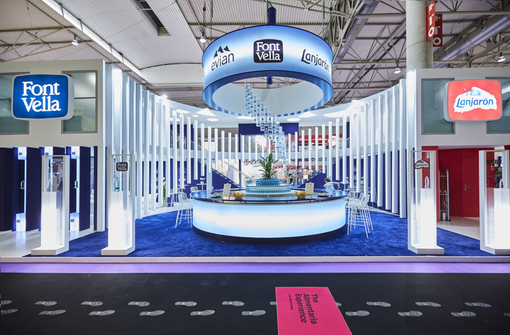 Design and construction of the Font Vella stand for ALIMENTARIA 2018 with an spectacular bar.